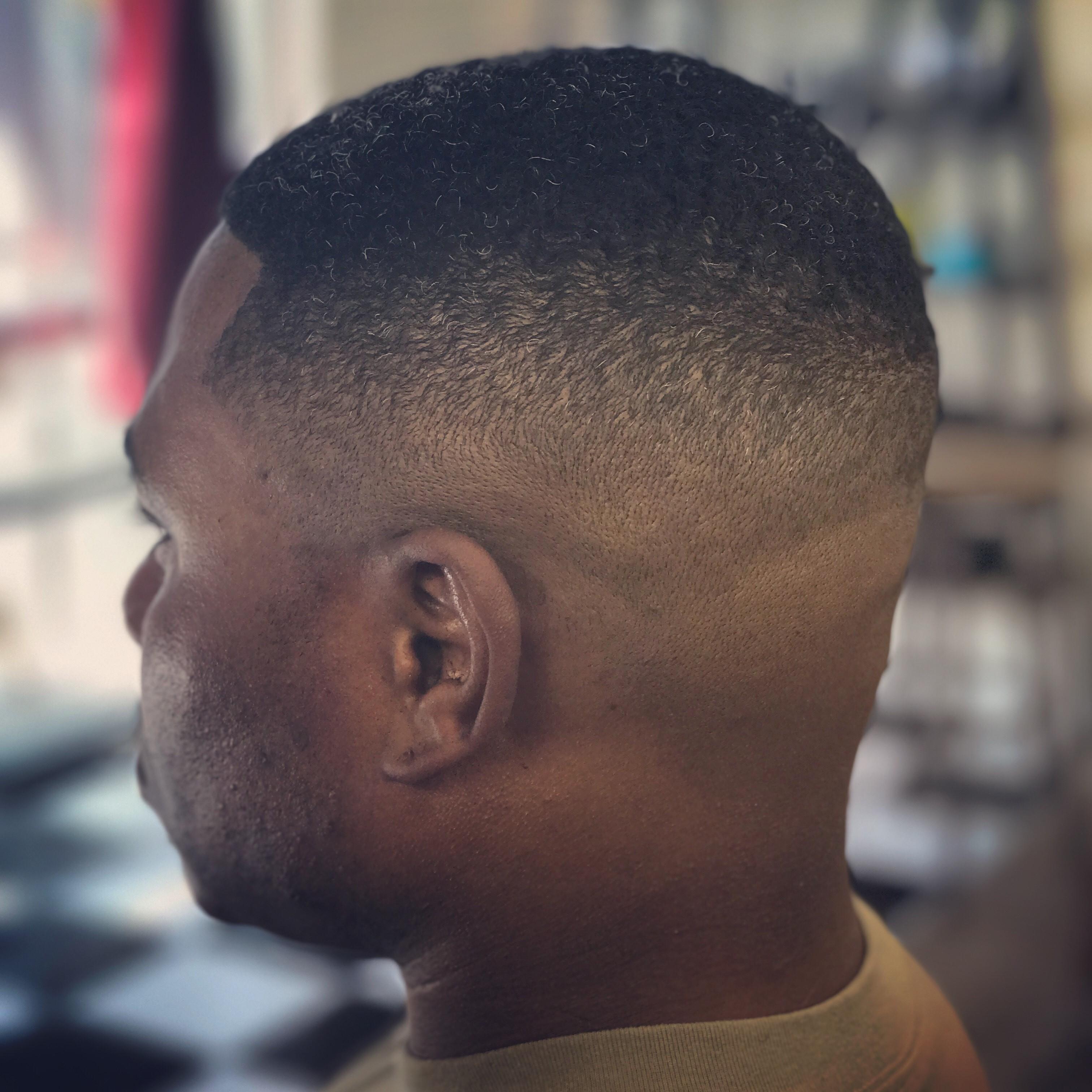 Shave And Haircut: El Paso, TX: La Barberia: Men's Hair Cuts, Color, Shaving